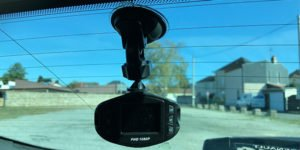 installation dashcam - mini caméra embrauquée