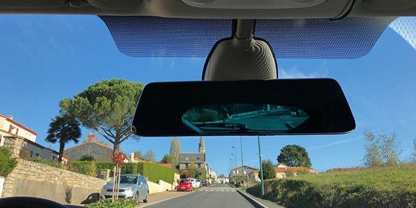"""Mobilicam - mise en situation de la camera """"retrovision"""" - disposition sur le retroviseur - camera pour voiture - service-après-vente-disponnible"""